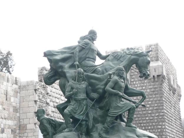 1Statue_of_Saladin_Damascus